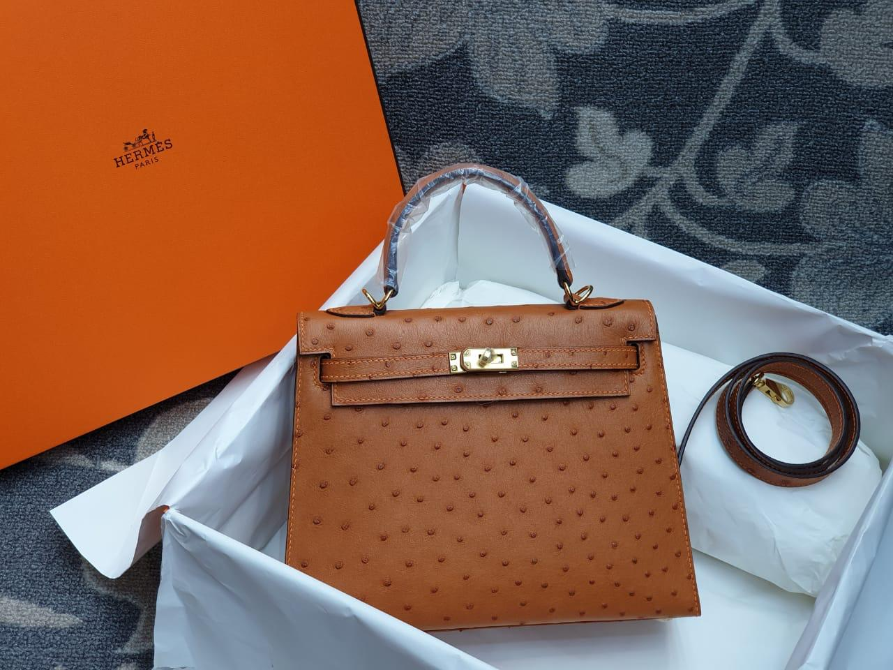Hermes Kelly Ostrich Leather H004
